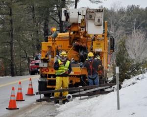 Line crews repair damage from NHwind2010